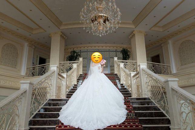 Продам элегантное свадебное платье со шлейфом!!!Можно на ПРОКАТ!!