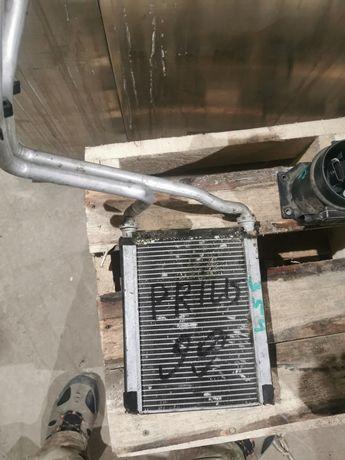 Радиатор печки Тойота приус привозной япония