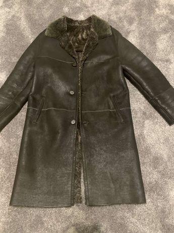 Мъжко палто от естетвена агнешка  кожа