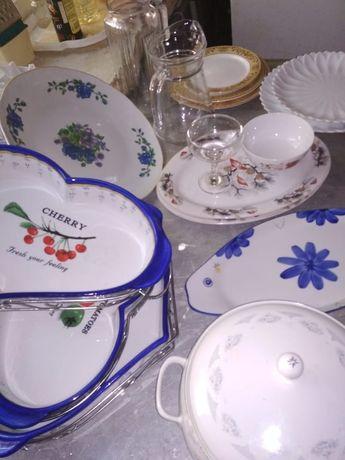 Распродаём срочно посуда, наборы посуды,графины в отличном состоянии