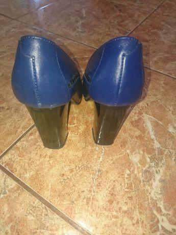 Pantofi marimea 34