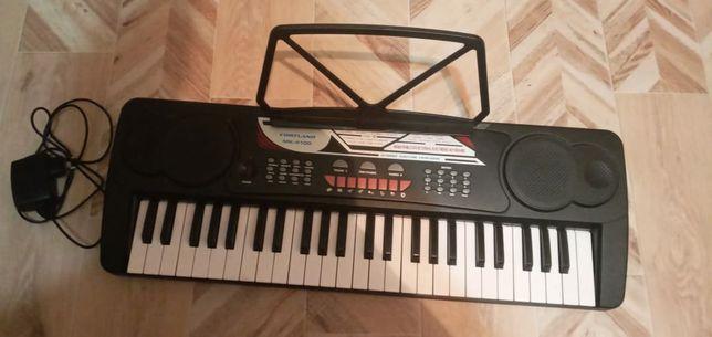 Продам детский синтезатор