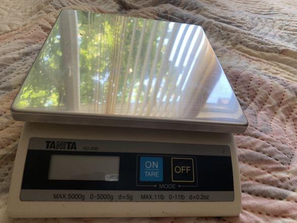 Везни-кантари TANITA kd-200
