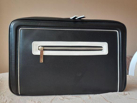 Кожено куфарче за гримове ESTEE LAUDER