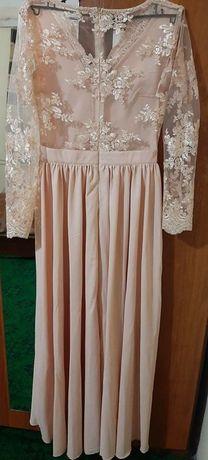 Бална рокля чисто нова с етикет не обличана