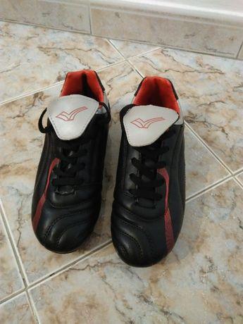 Футболни обувки(бутонки,калеври) Nike и Adidas! Нови! Промоция!