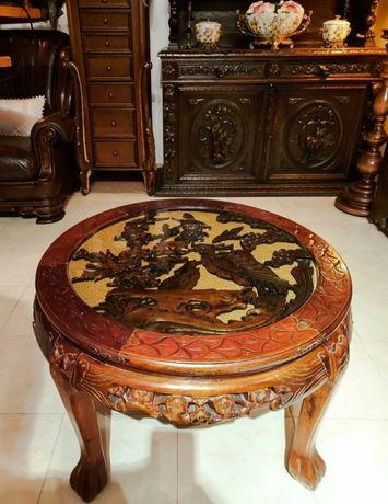 Антична маса с уникална дърворезба