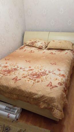 Продам кровать, шкаф, гардины. Все в отличном состоянии.