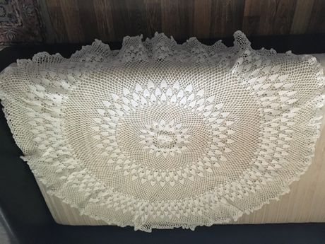 Плетена покривка-обла