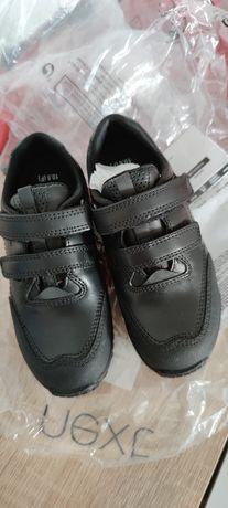 Туфли 28 размера на мальчика