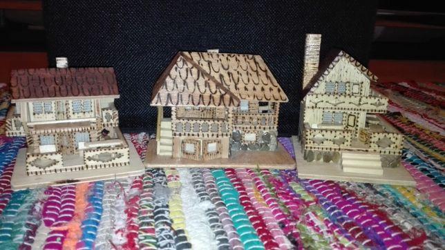 Casute in miniatură din lemn