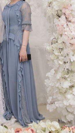 Платье шифоновое с гипюровыми вставками