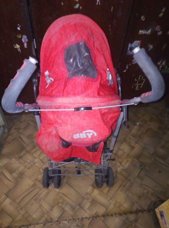 Продам коляску красного цвета