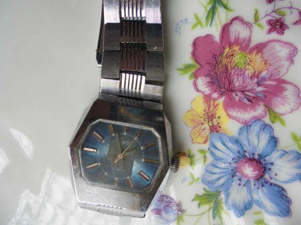 Часовник Луч с позлатен механизъм 2209
