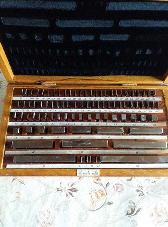 Продавам еталони за дължина/дебелина/в дървена кутия.Клас 2 !