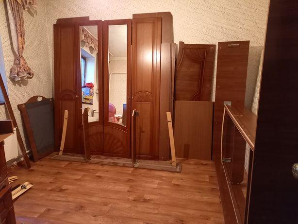 Спальный гарнитур 10.000 тенге