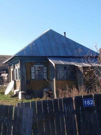 Продается дом с  гаражом вместе в селе Быструха