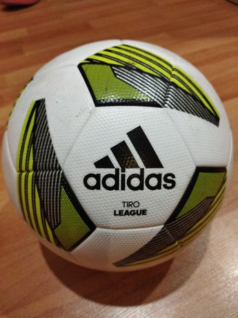 Оригинальный,квалифицированный мяч от компании Adidas