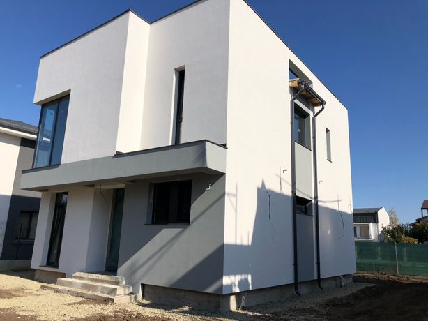 Casa P+1E, Incalzire i Pardoseala, Geamuri Panoramice.