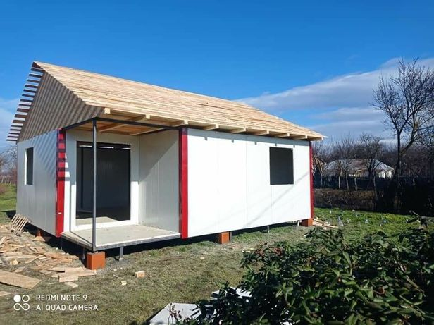 Realizăm case modulare din panouri sandwich si structura metalică