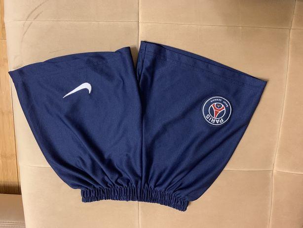 Футбольные шорты псж