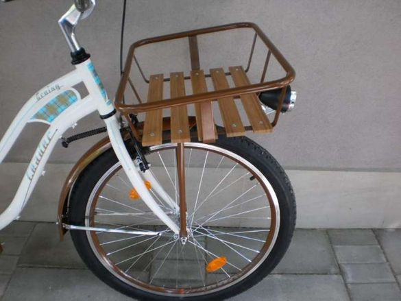 Продавам кошница за домашни любимци за велосипед над предното колело