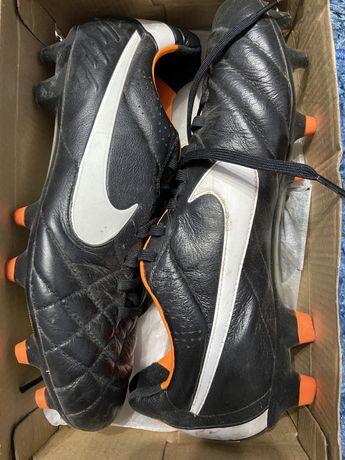 Кроссовки футбольные с шипами Найк / Nike