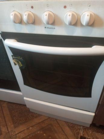 Электрическая плита в хорошем состояние
