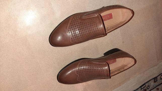 Продам туфли в хорошым состояний