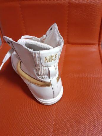 Adidași Nike Ghete