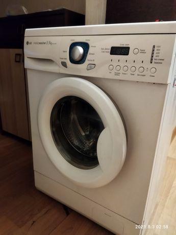 Продам стиральную машину LG автомат работает но выдает ошибку дверцы