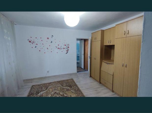 Inchiriez apartament 2 camere et. 2