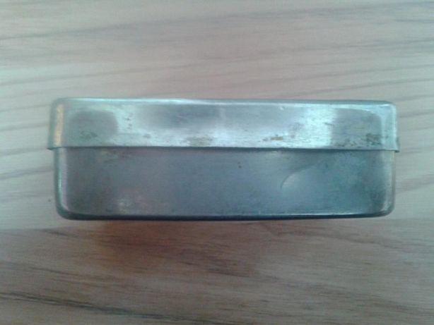 cutiute metalice vechi din inox, brelocuri la 1,50lei/buc
