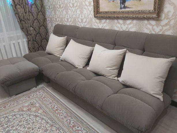 Продам диван с пуфиком