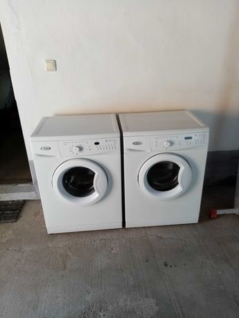 Vînd 2 mașini de spălat whirlpool model nou