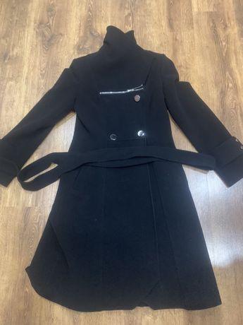 Продам пальто б/у размер 44-46