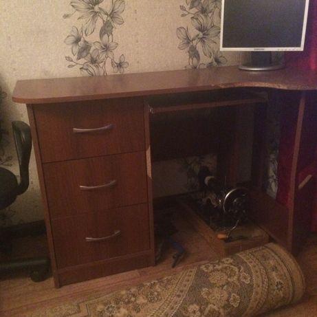 Продам стол срочно