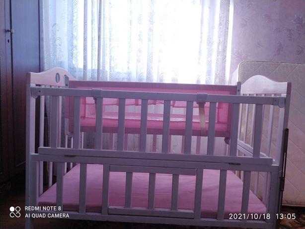 Кроватка детская с люлькой