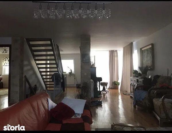 Apartament 5 camere în Borhanci