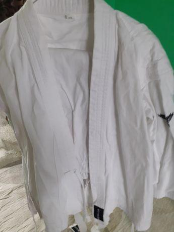 Costum karate nou