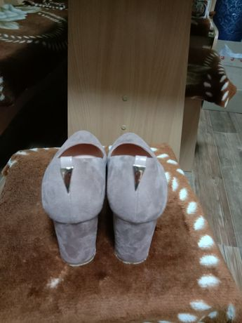 Продам туфли размер40