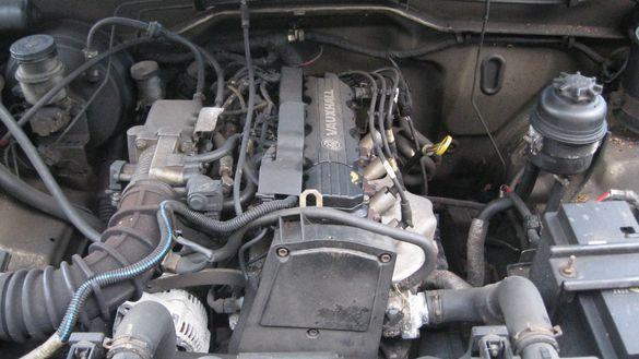 Двигател на части блок за Опел Фронтера А Opel Frontera 2.0 бензин