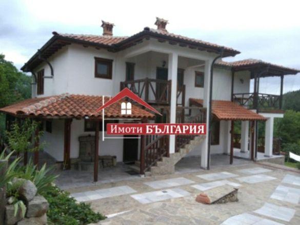 Къща/ Къща за гости в Средна гора , Карлово