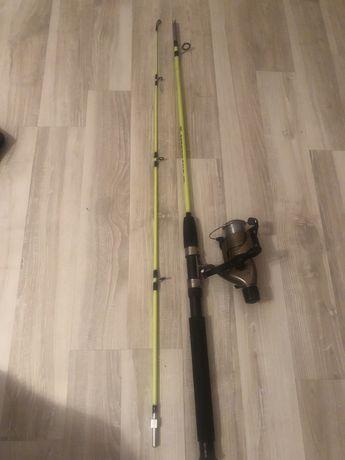 Спининг готовый к рыбалке новый