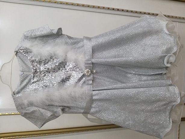 Бальное платье для девочек. 3-4-5 лет. Новое. Можно на подарок