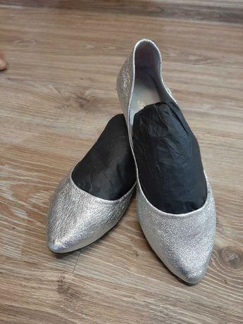 Дамски пролетни обувки.Естествена кожа .Сребристи.
