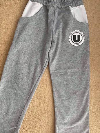 Pantaloni de trening marimea 4 ani(104 cm)