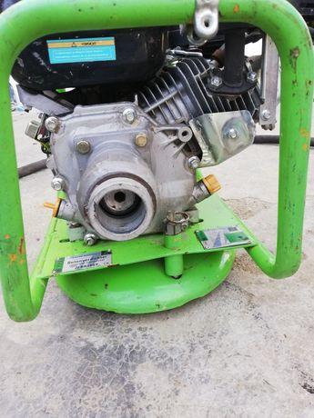 Vibrator de beton