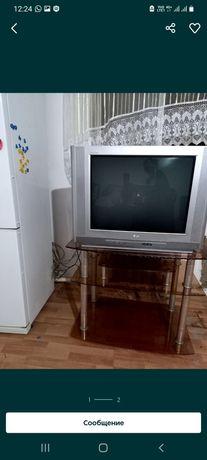 Телевизор LG в хорошем состояние