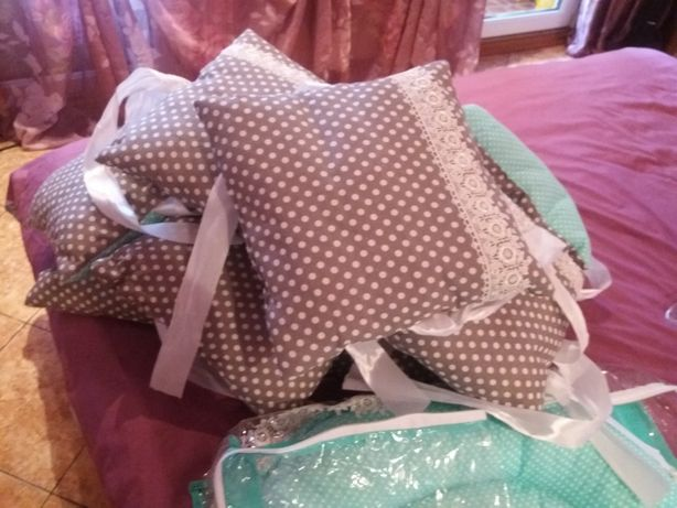 Продам новый набор в детскую кроватку